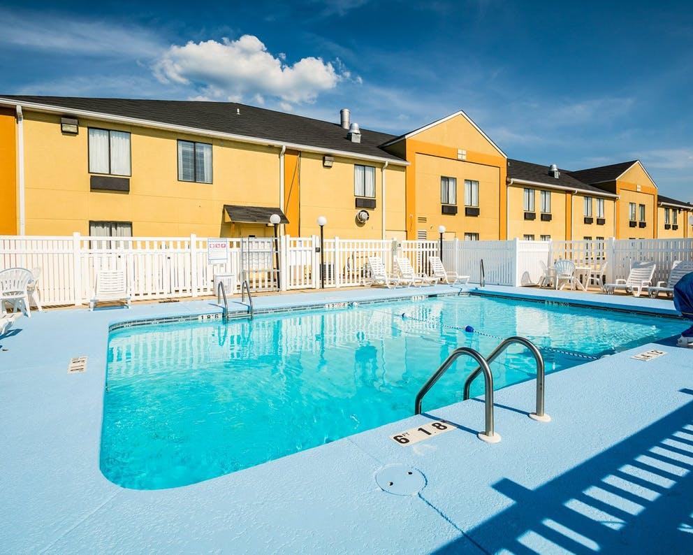 Slide3 Pool